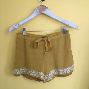 Mustard yellow flowy shorts summer